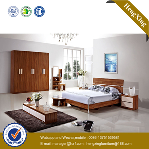 Wholesale Classic Design MDF Wooden Hotel Bedroom Set Furniture Queen Size Bedroom King Double Bed with Cabinet